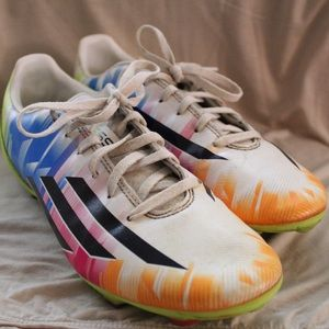 🏋️♀️ Messi / Adidas Soccer Cleats